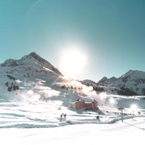 Winterurlaub Wintersport Winter Snowboard Ski Schneeschuhwandern Osttirol Österreich Osterferien Ferien