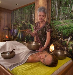 Klangschalenmassage im Wellnesshotel
