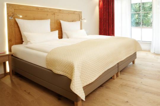 Schlaf im Bett im Doppelzimmer im Hotel Deimann