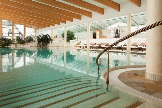 Schwimmbad im Hotel Deimann