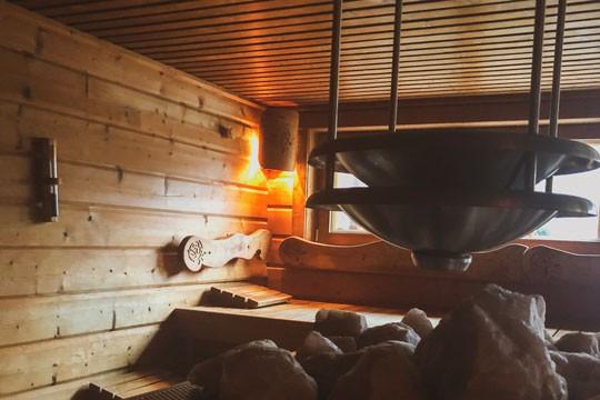 Winter Wellnesshotel Saunazeit Sauna gesund schwitzen Genießen Familie
