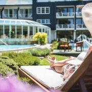 Wellnessurlaub Wellnesshotel Wassersport Surfen Sport Sommer