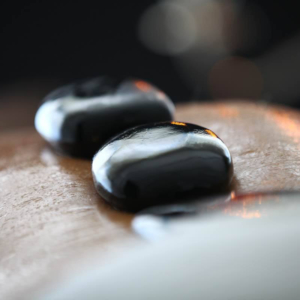 wellnessanwendung warmsteinmassage wärme Massage hot stone mssage hot stone